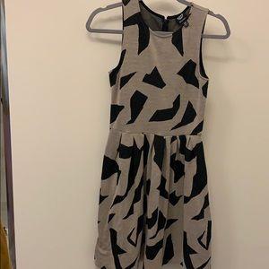 Bobeau Grey and black sleeves printed dress